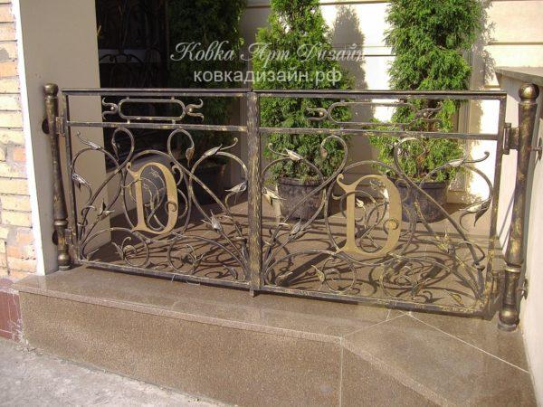БО-18 Кованый балкон «Сад Дороти»