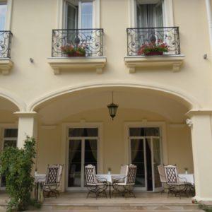 Кованый балкон «Кронон»